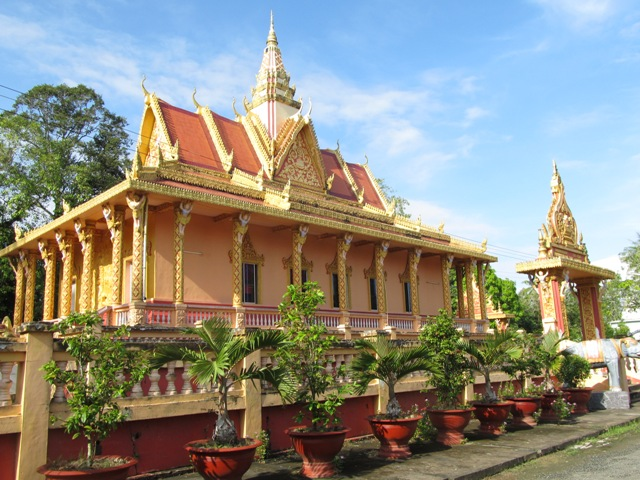 Vietnam tour to cambodia